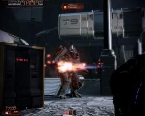 Mass Effect 2 : YMIR-Mechs zählen zu den häufigsten Boss-Gegnern. Nehmen Sie sie am besten in abwechselndes Kreuzfeuer, damit sie sich nicht auf ein Ziel einschießen.