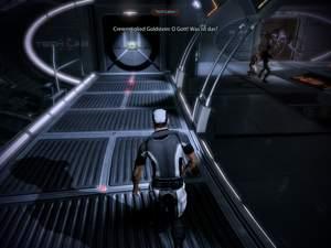 Mass Effect 2 : Folgen Sie den Notlichtern am Boden und hören Sie auf EDIs Anweisungen.