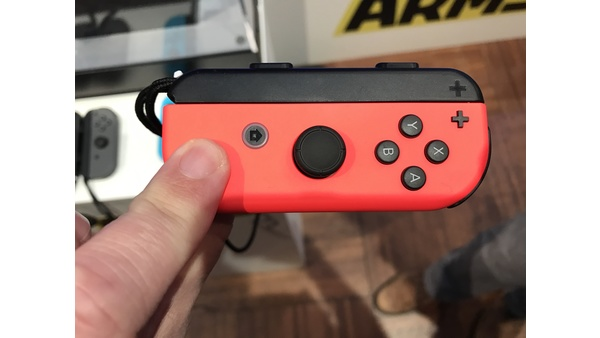 Screenshot zu Nintendo Switch (Nintendo Switch) - Joy-Con, Grip und Pro Controller