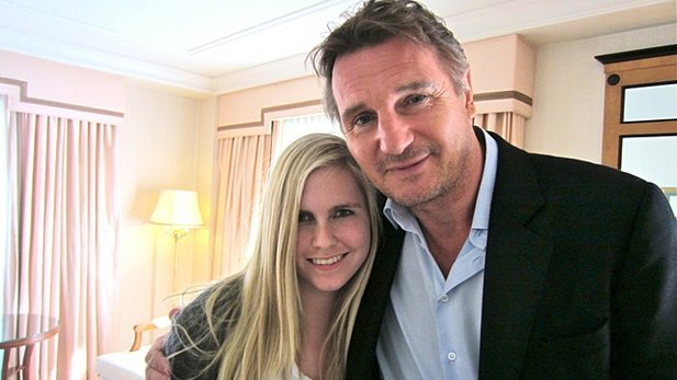 Hollywood-Star Liam Neeson und unsere Kino-Autorin Anne Facompre.