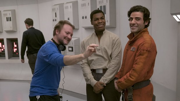 Star Wars: Episode 8-Regisseur Rian Johnson (links) macht eine komplett neue Star Wars-Trilogie.