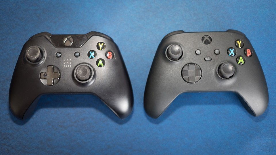 Launch-Controller: Xbox One (links) und Series X (rechts).